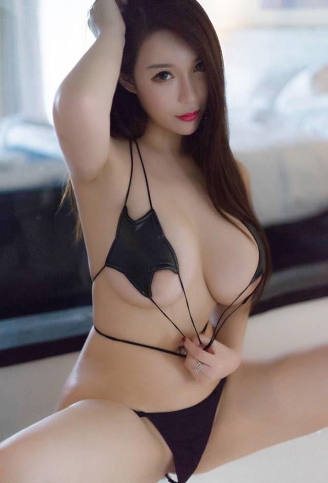 魅力少妇尤妮丝情趣内衣难挡丰乳肥臀