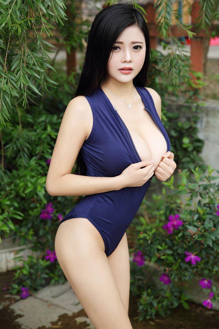 混血嫩模林美惠子护士装秀白嫩豪乳无遮