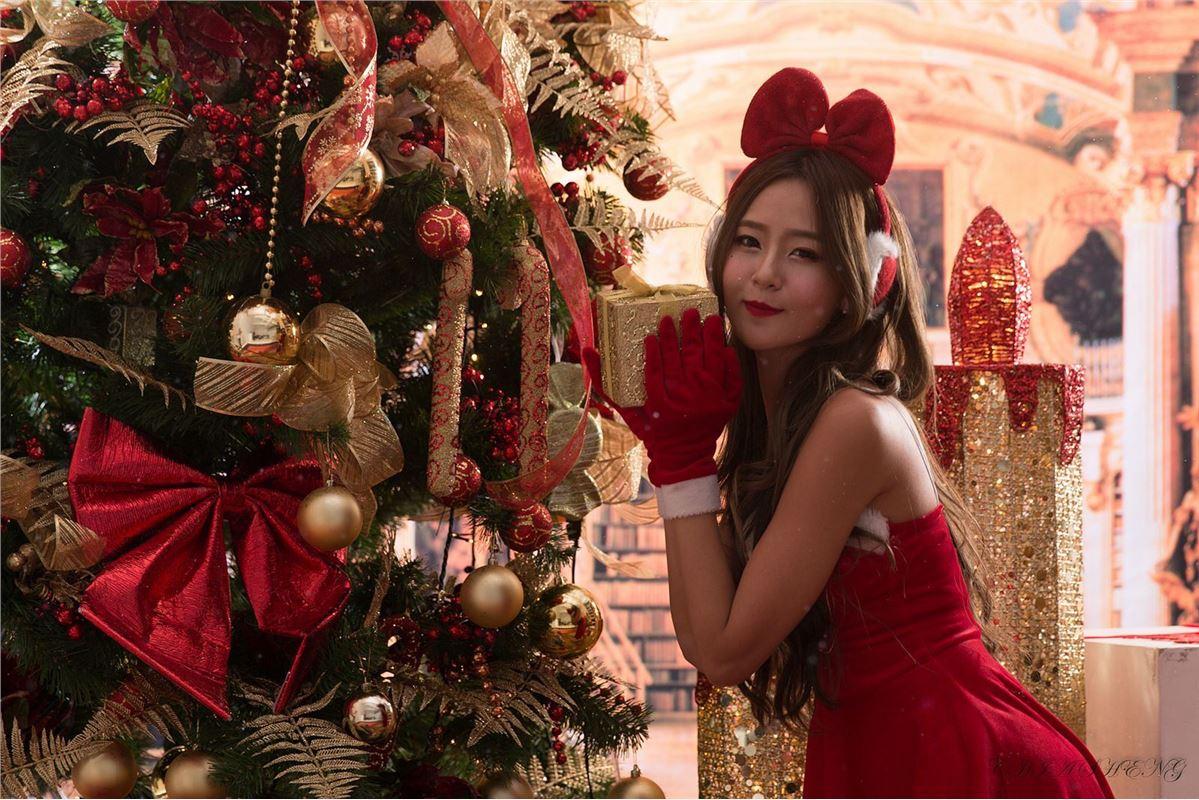 Beautyleg番外篇2014-12-24 小雪圣诞风棚拍